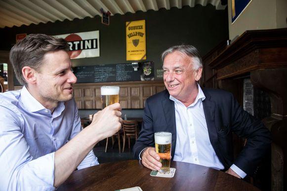 Samen een pintje drinken: een pillaar van de band tussen vader en zoon.