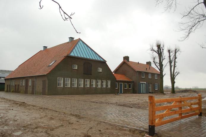 Deze voormalige boerderij is verbouwd en herbergt naast het informatiecentrum ook een slagerij en een beheerderswoning.