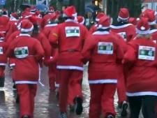 Kerstmannen rennen door de regen in Oisterwijk: 3525 euro voor Bart Tegen Kanker