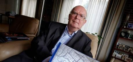 Teunis (74) wroet al 40 jaar in de geschiedenis van Leerdam: 'Het is verslavend'