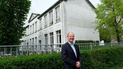 Bouwbedrijf denkt aan rusthuis op oude schoolsite