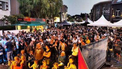 Jonge vrijwilligers van jeugdhuis Het Varken verzorgen drie dagen lang muziek op Jaarmarktfeesten