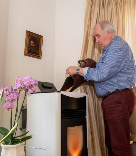 Gefrustreerde Han (74) uit Dedemsvaart wacht en wacht maar op subsidiegeld voor pelletkachel (en hij is niet de enige)