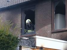Huis onbewoonbaar door felle brand in Heesch, bewoners op tijd weg