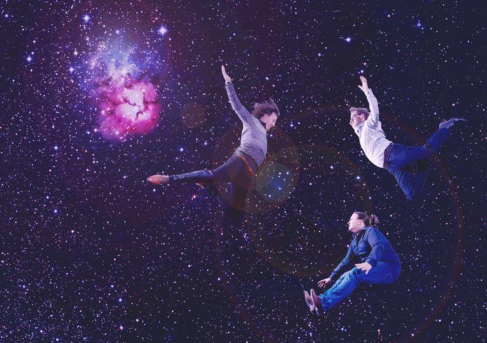 Het Trifid-trio zwevend door de ruimte