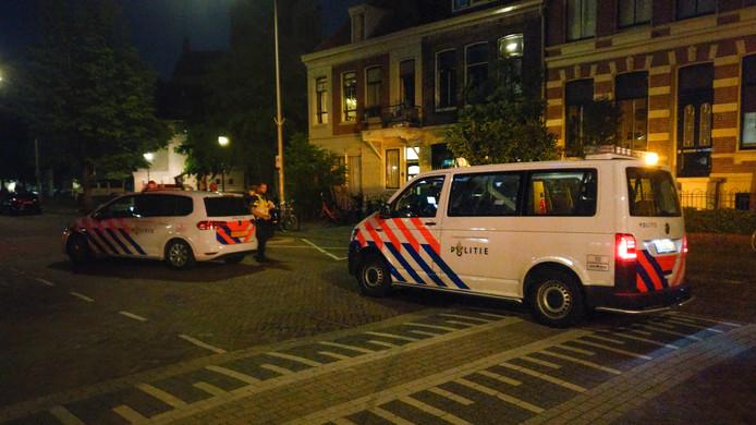 De politie in de Van Trieststraat in Nijmegen na de aanhouding.