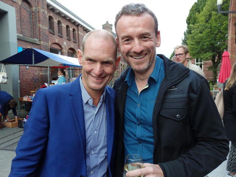 Axel Rüger (r, Van Gogh museum) en Jeroen van Erp, broer van Michiel. 'De oudste!' Beeld Hans van der Beek