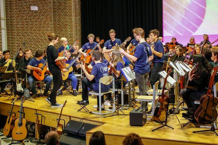 Brabantse gitaristen tijdens het gitaarconcert Come Together.