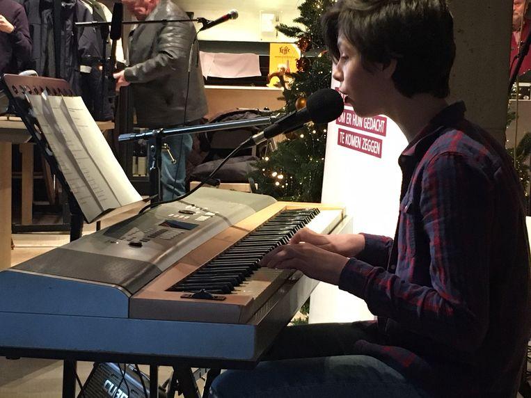 Tamsen aan zijn piano in 'de mooiste nieuwjaarsgroet'