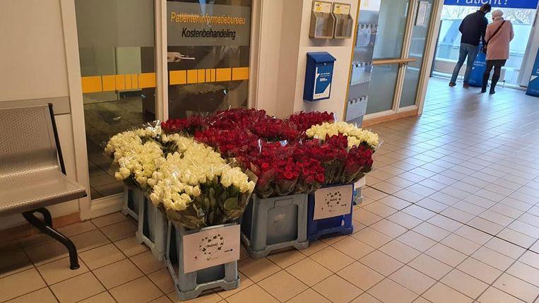 Bloemen voor het personeel van het UZ.