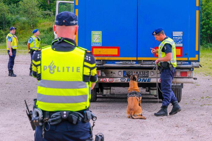 Vat krijgen op de migratiestromen is voor Nederland een belangrijk thema. Het is nu te makkelijk om illegaal in de EU te verblijven.
