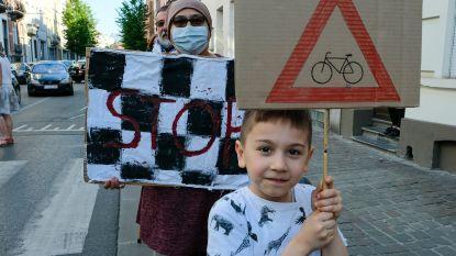 1 jaar cel gevorderd voor straatracer die kindje (2) aanreed en wilde vluchten