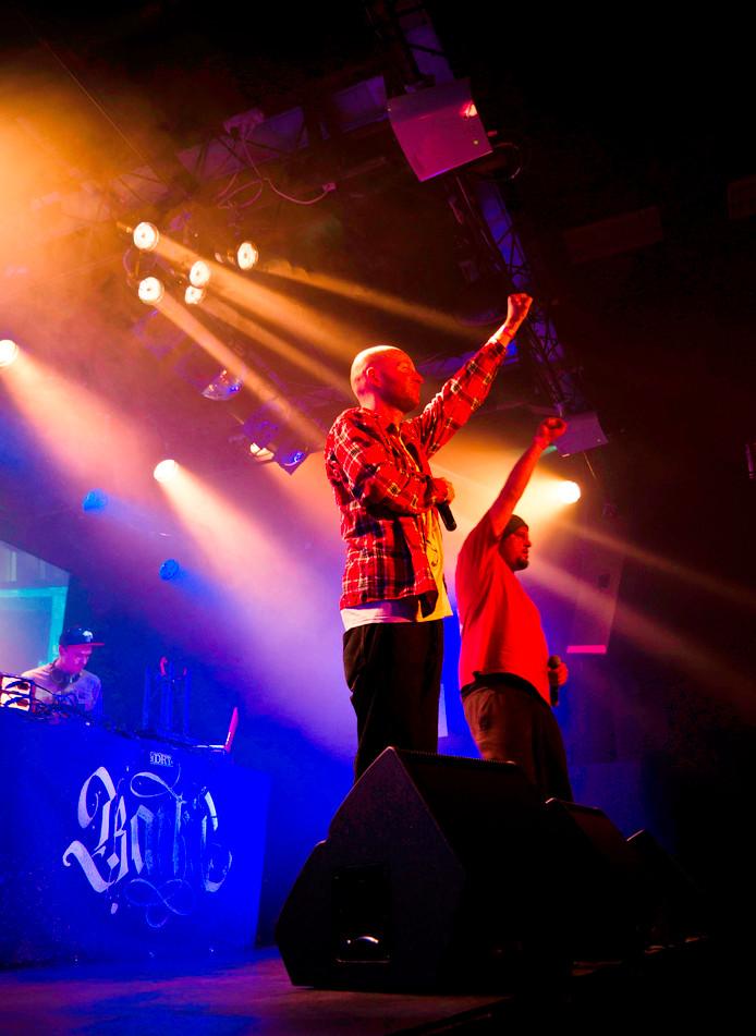 Voor hun nieuwe album kropen hiphoppers Engel & Just de studio in met zanger Paul de Munnik.