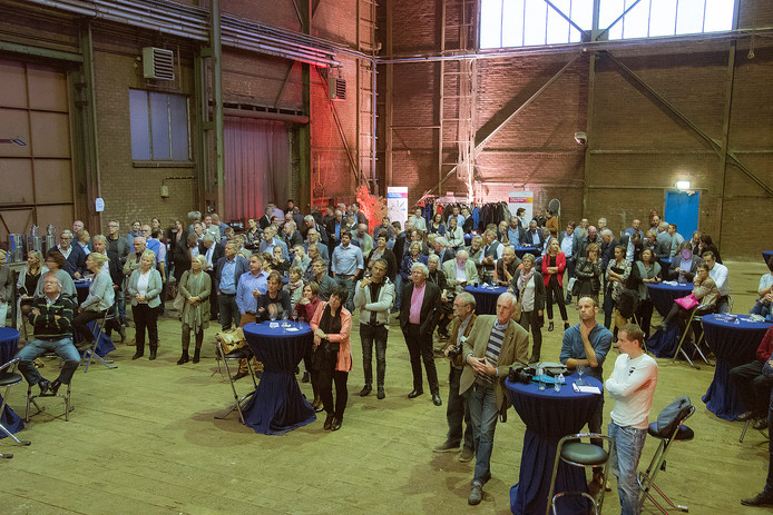 Voor het eerst sinds jaren was er weer bedrijvigheid in de hal van de voormalige scheepswerf Bodewes in Millingen.