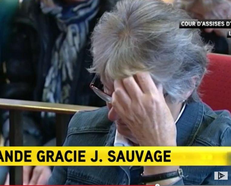 Jacqueline Sauvage in de rechtszaal. Beeld screenshot