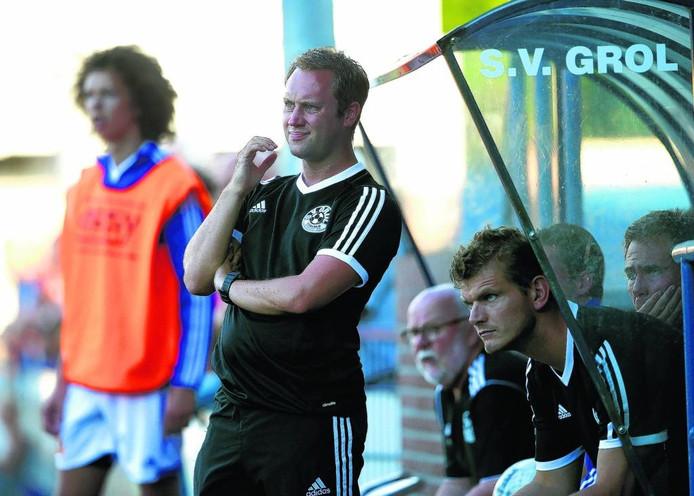 Jeroen Burghout als trainer van sv Grol. Archieffoto.