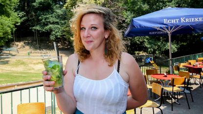 Taartenmeisje opent zomerbar in Tiegembos