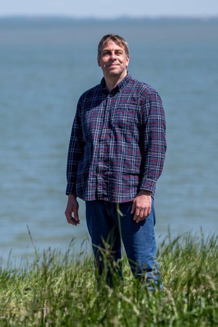 """Peter Knipmeijer: ,,Ik heb vorig jaar een plan ingediend bij de gemeente Terneuzen. Plak gedichten op de ramen van de lege panden. Dat is al heel gemakkelijk te realiseren."""""""