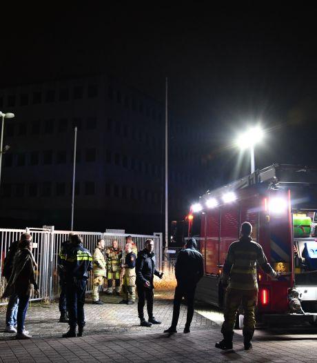 Man met ernstige brandwonden gevonden in leegstaand pand in Lelystad, man (21) opgepakt