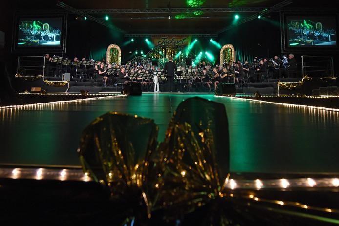 Harmonie de Volharding tijdens een concert in 't Cromwiel.