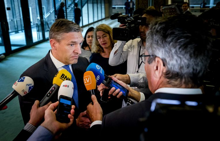 CDA'er Buma spreekt met de parlementaire pers. Beeld anp