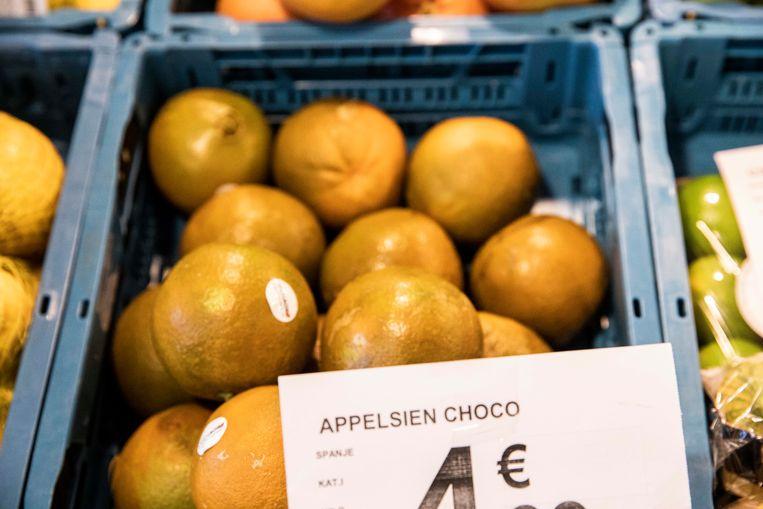 De choco-appelsienen in de Carrefour in Terbiest.