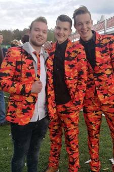 Deze festivalgangers shinen in het oranje op Kingsland: 'Mensen zijn te bang!'