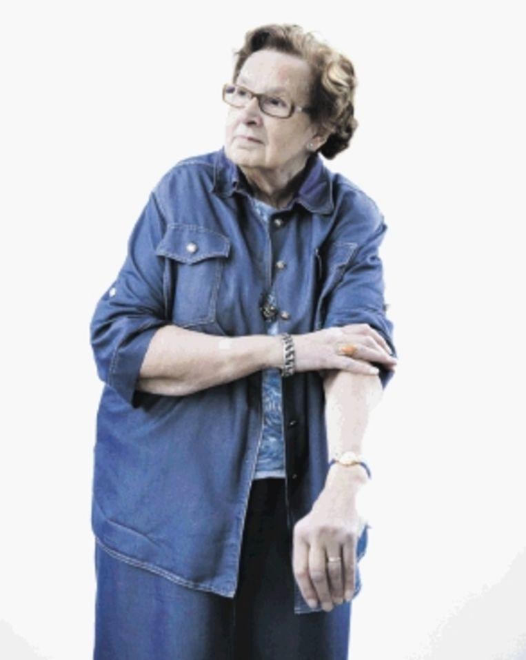 Mevrouw Veerman van Wegen (80) werkt al zestig jaar in haar Café Van Wegen in Utrecht. (Trouw) Beeld