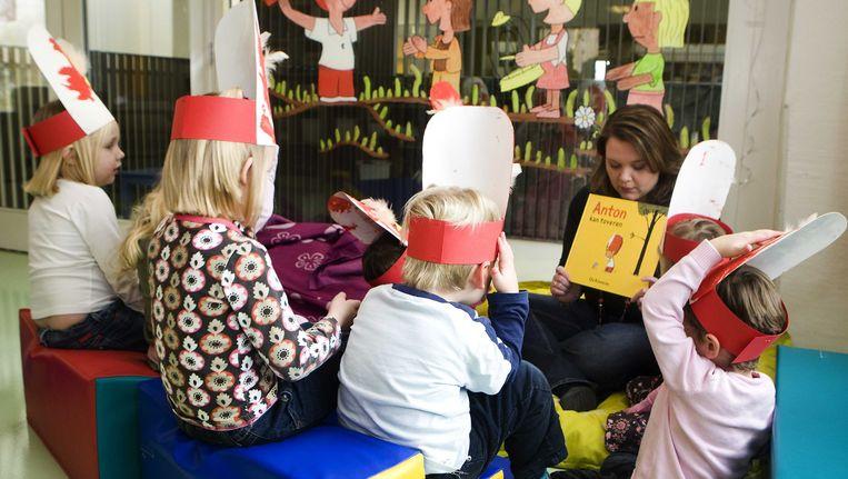 De noodlijdende kinderopvangorganisatie Estro maakt een doorstart in afgeslankte vorm. De Britse kinderopvang Smallsteps neemt ongeveer twee derde van de 3600 medewerkers over. Beeld null