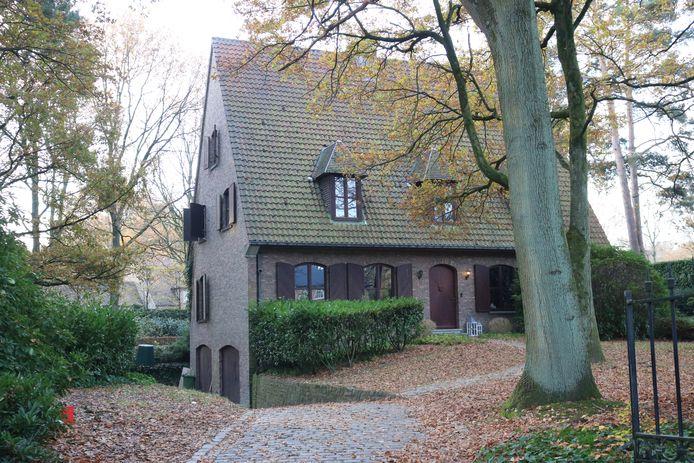 In deze villa in de Patrijzenlaan werd een grote plantage opgerold.