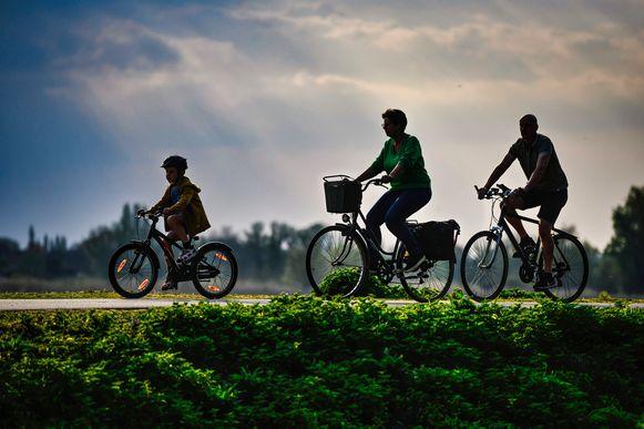 De drie fietstochten brengen je langs allerlei mooie Kempense locaties.