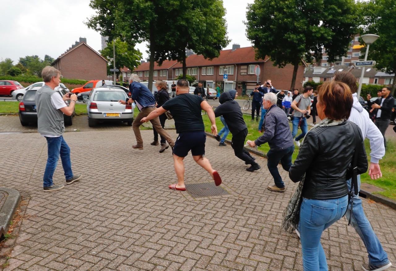 Een flyer-actie van Pegida in Eindhoven.