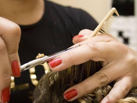 Eigenaresse werkte in kapsalons in Beek en Druten en is in quarantaine, zaken VIP Hair mogen openblijven