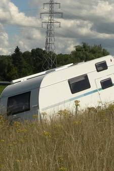 Caravan slaat dag nadat hij een nieuwe eigenaar heeft op hol op de A18 bij Wehl