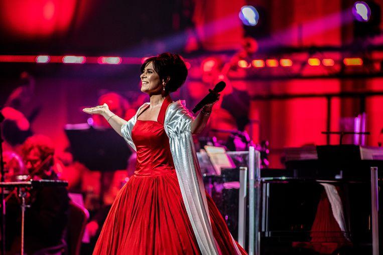 Trijntje Oosterhuis tijdens haar jubileumconcert (25 jaar in het vak) op zaterdag 30 maart in de Ziggo Dome in Amsterdam. Beeld ANP