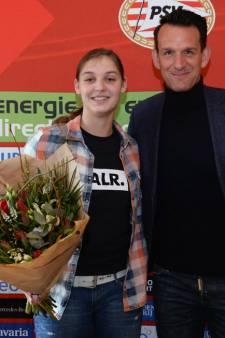 Deurnese Aniek Nouwen (18) tekent nieuw contract bij PSV