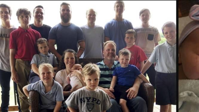 """Na veertien zonen krijgt Kateri (45) eindelijk dochter: """"Grootste cadeau dat we ons konden wensen"""""""
