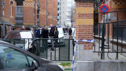 Verwarde kerel gaat agenten te lijf met zwaard: politie schiet man dood