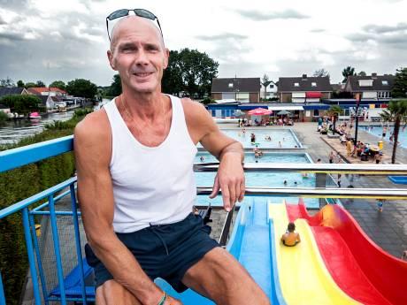 Recorddrukte zorgt voor 'zwemmoeheid' bij deze badmeester