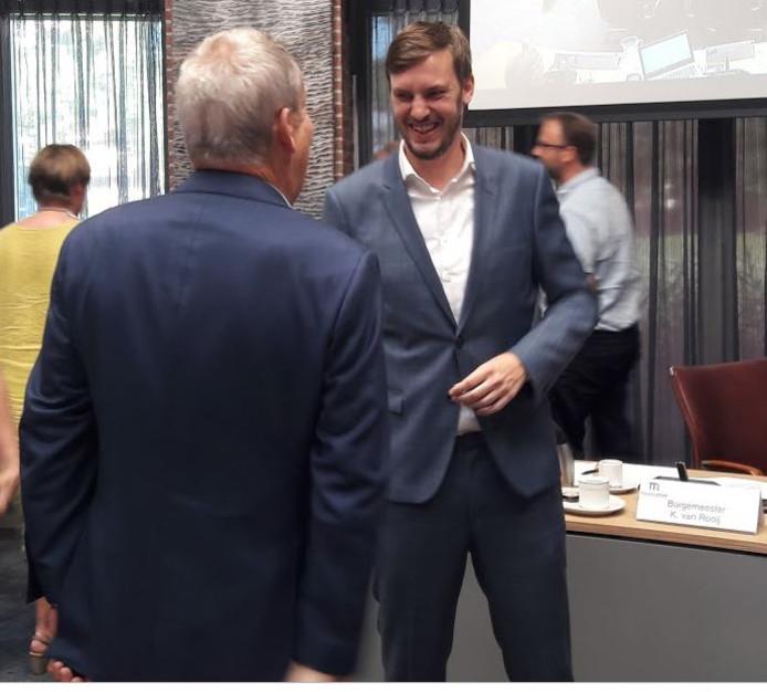 Rik Compagne kon donderdagavond meteen de felicitaties in ontvangst nemen na zijn benoeming tot wethouder van Meierijstad.