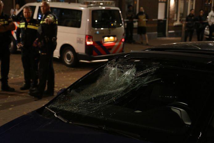 Het ongeluk vond plaats op de kruising van de Brede Hilledijk en de Lombokstraat in Rotterdam.