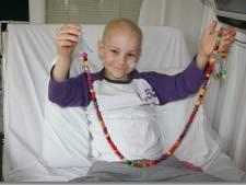 Nog duizend telefoons te gaan en dan slecht van kanker genezen Jesse (17) uit Oldebroek magische grens