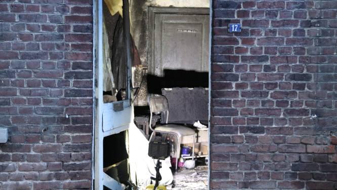 Woning loopt zware schade op nadat matras in brand vliegt