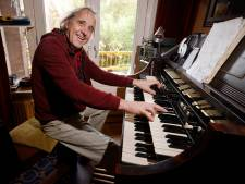 Paul uit Nijmegen heeft speciaal orgel uit jaren 60 in de huiskamer: 'Ooit vlaggenschip van de Hammondfabriek'