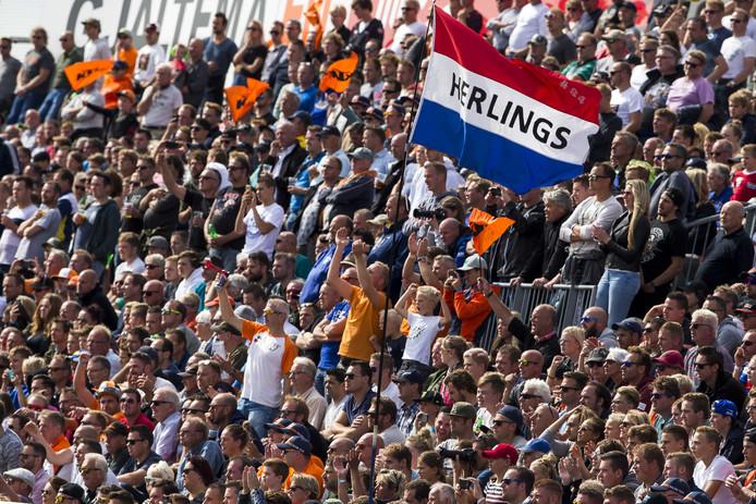 De fans van Jeffrey Herlings op het TT Circuit van Assen.