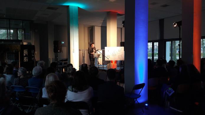 Tijdens de presentatie van de speerpunten voor de nieuwe cultuurvisie in Breda, was er een optreden van saxofonist Tom Sanderman.