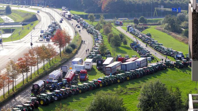 Het eerdere boerenprotest bij het provinciehuis Den Bosch.