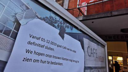 """Café Van de Velde in Bib Leuven sluit vanaf december: """"Maar we zoeken naar nieuwe invulling"""", zegt schepen Vandevoort (sp.a)"""