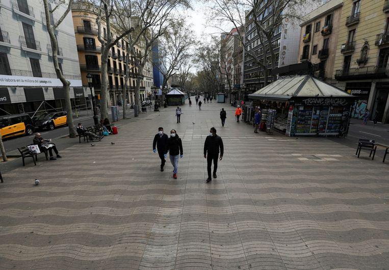 Op de Ramblas in Barcelona is het normaal koppen lopen.