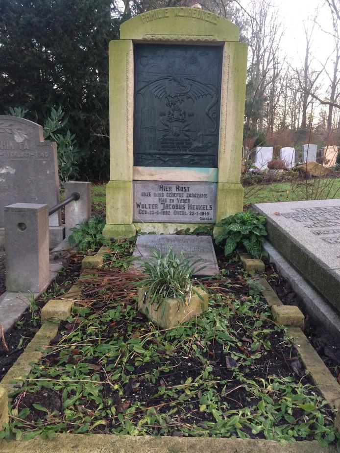 Het graf van de Utrechtse verzetsman Wolter Heukels, gefusilleerd door de Duitsers, op begraafplaats Kovelswade in Utrecht.